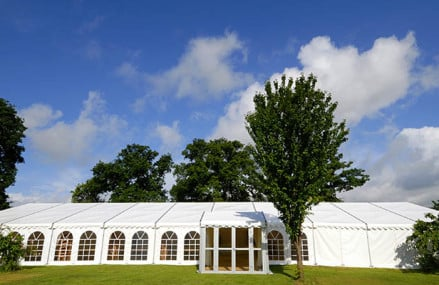 How To Select A Tent Rental For Your Outdoor Party