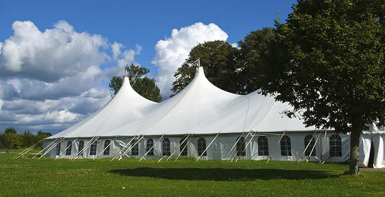 Plan a budget to rental a tent for your event